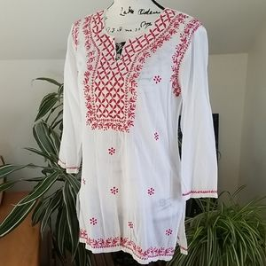 Solitaire White red embroidered 3/4 sleeve Tunic